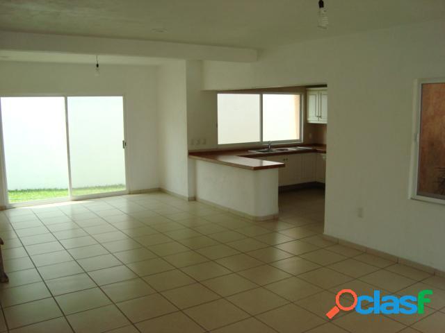 Casa en condominio residencial en venta en Pueblo Ahuatepec, Cuernavaca