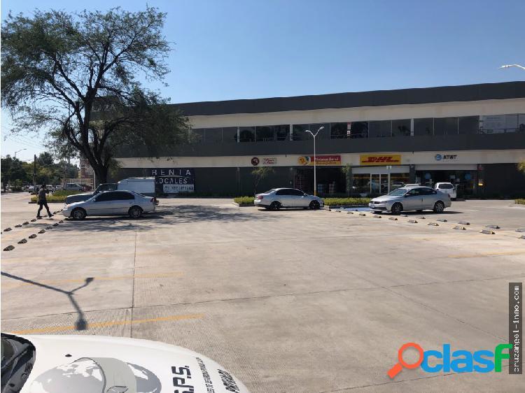 Renta de locales comerciales y oficina en plaza comercial zona norte