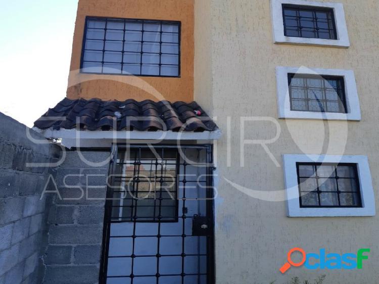 Casa de dos niveles en venta en villas del pedregal, villas del pedregal