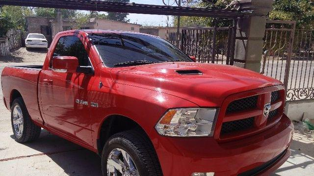 Dodge ram 4 x 4 2012 $260,000 negociable