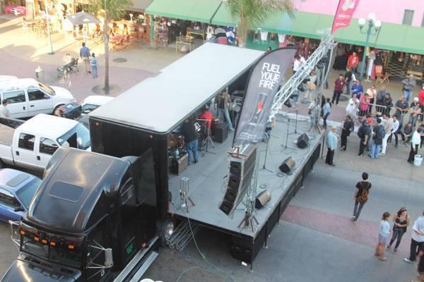 Renta de equipo de audio y escenario movil para eventos en