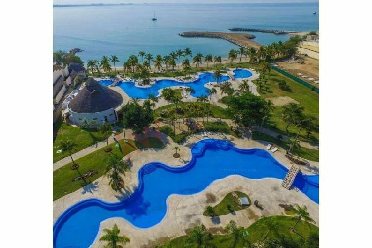 Terreno residencial frente a club de playa b nayar en