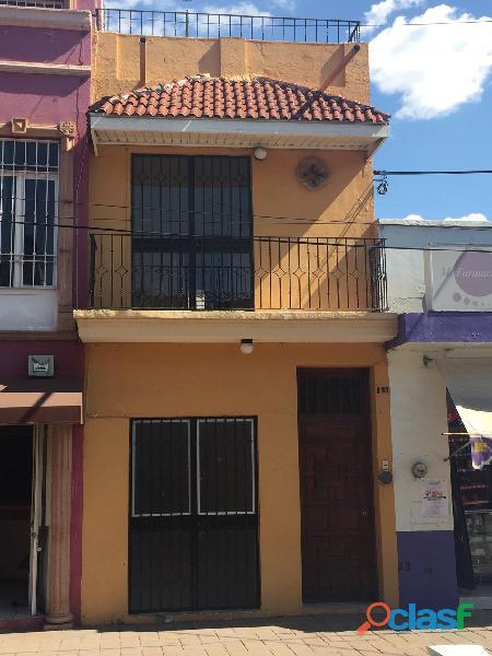 Se renta pequeña casa zamora centro