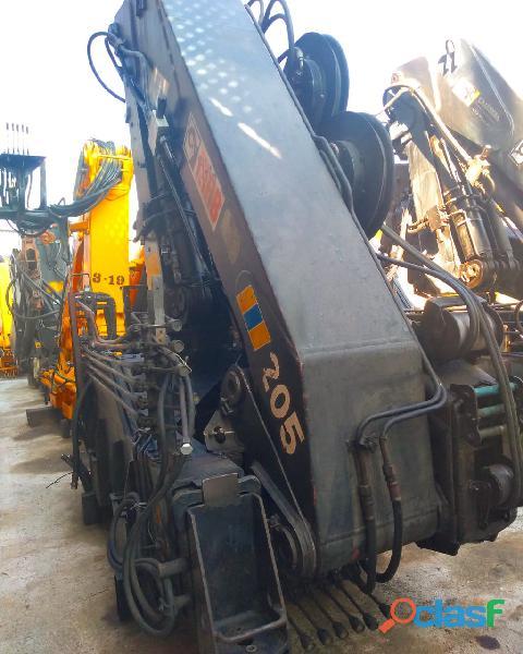 Grua hiabraulica hiab 205 9 toneladas a pie de camión