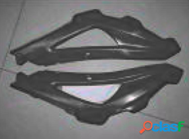 Paneles laterales fibra de carbono para motos Husqvarna SM450R de 2005 y 2006.