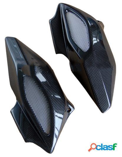 Tomas de aire hechas de fibra de carbono para motos MV Brutale 675 de 2012.