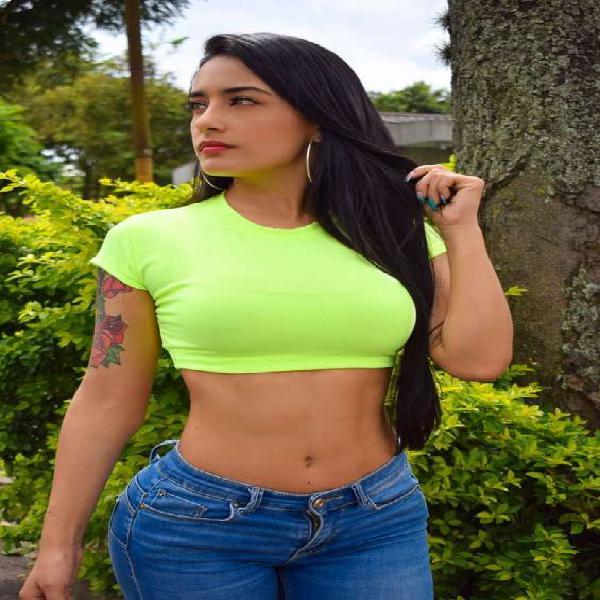 colombiana con curvas de infarto en mexico