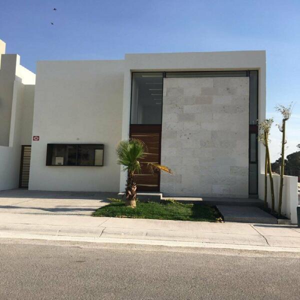 Casa en venta de un piso lomas de juriquilla estrena con