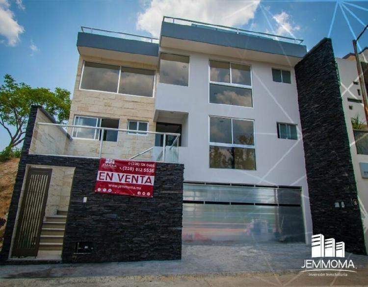 Lujosa residencia con roof garden a la venta en monte magno,