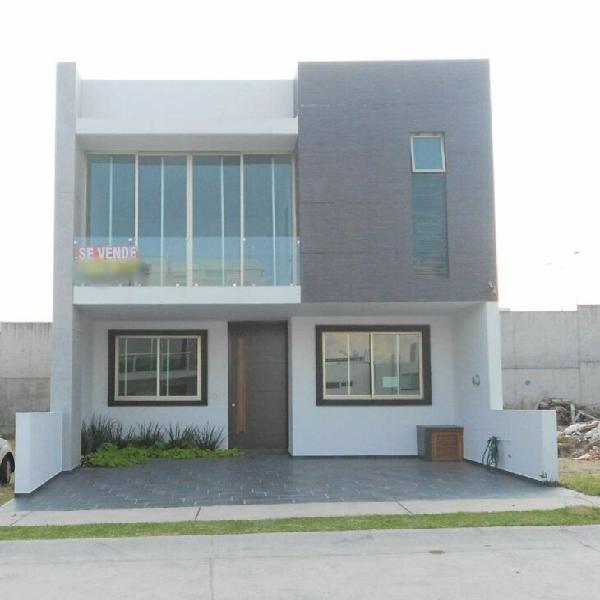 Vendo casa la cima con recamara en planta baja $4,100,000