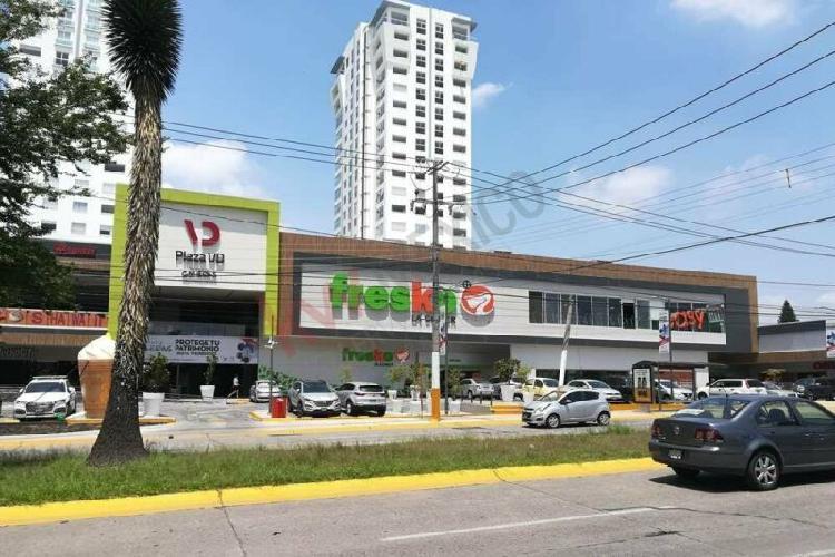 Local comercial en renta en plaza vd galerias.