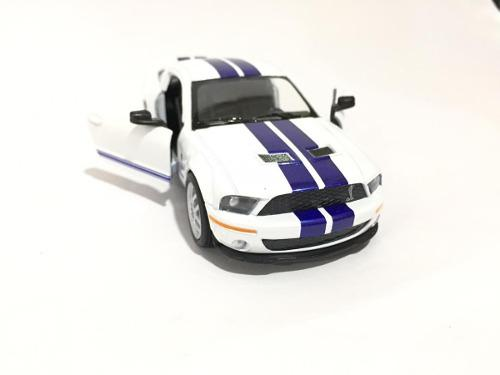 Mustang shelby gt 500 2007 blanco 13cm kinsmart kt5310d 1:38