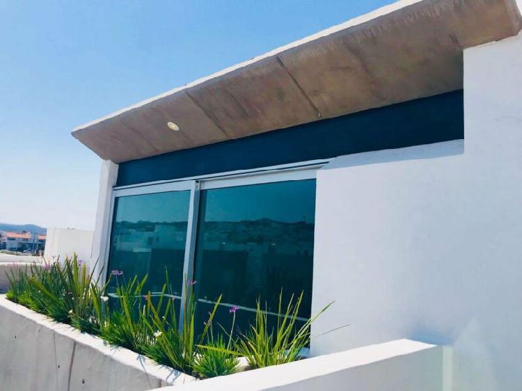 Casa nueva en venta cuatro recámaras en lomas de juriquilla