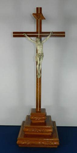 Antiguo cristo tallado labrado a mano cruz de madera