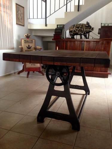 Mesa comedor estilo industrial antiguo