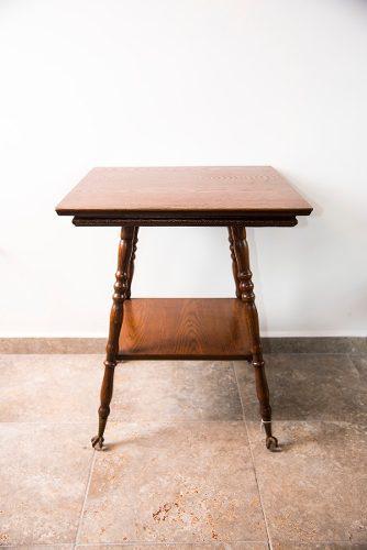 Mesa de centro inglesa en madera de encino