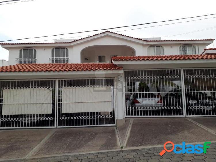 Departamento amueblado y sin amueblar en renta en villas de irapuato jardinados (guanajuato).