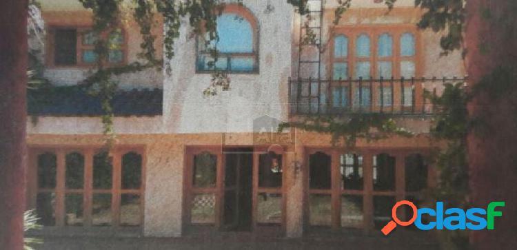 Casa en venta en lomas de gran jardín, estilo mexicano al norte de león, gto.