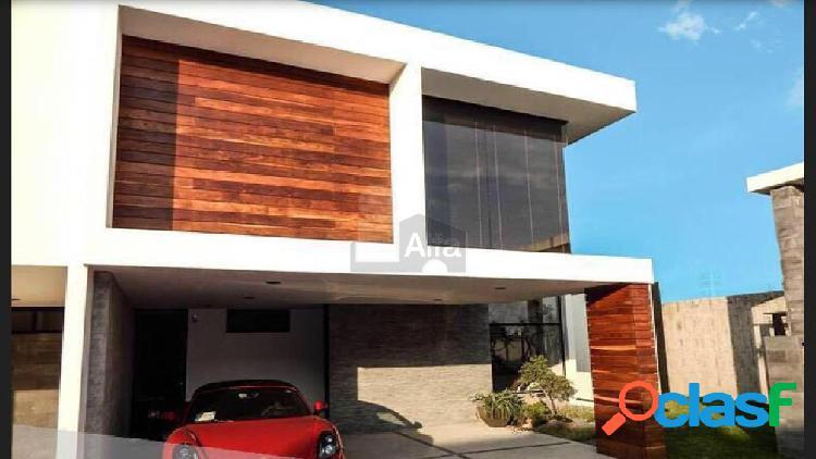 Casa sola en venta en Lomas de Angelópolis, San Andrés Cholula, Puebla