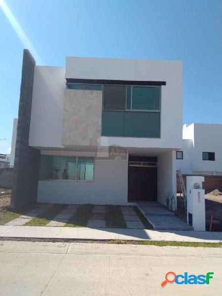 Casa en venta. fraccionamiento camino a san josé de guanajuato.