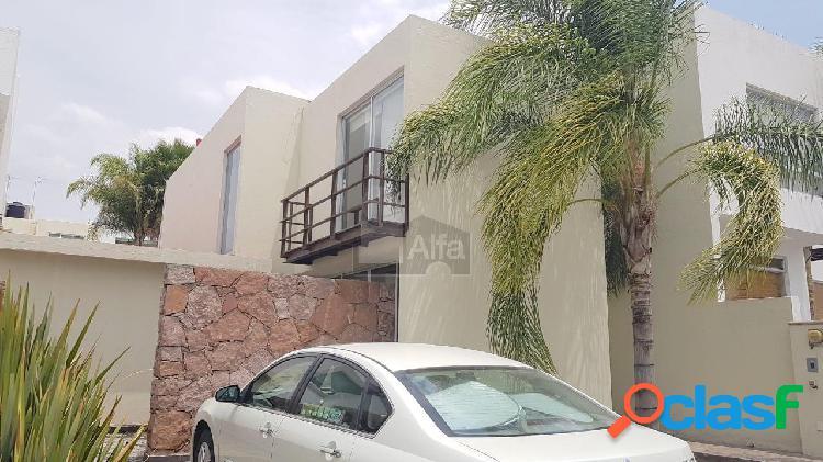 Casa con acabados de lujo al mejor precio en cumbres del lago juriquilla