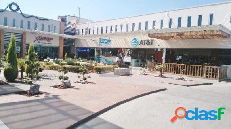 Se renta local dentro de Plaza Comercial en Metepec