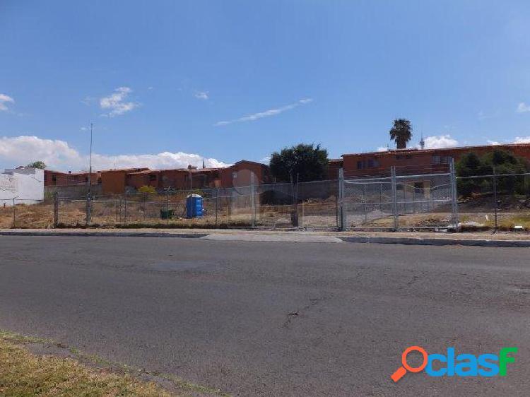 Terreno comercial en venta o renta en centro sur - colinas del cimatario sobre avenida principal