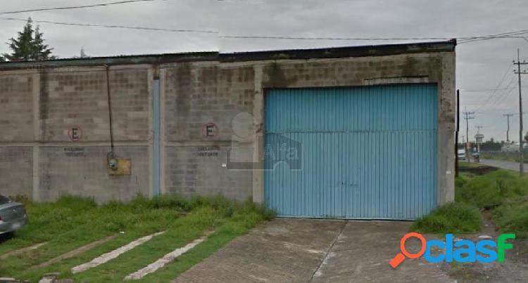 Venta de Nave Industrial sobre Av. Las Partidas, Lerma. 2000m2