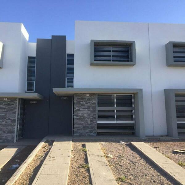 Renta casa amueblada en zona dorada $6,500