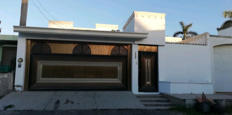 Casa amplia en venta col. industrial palmito