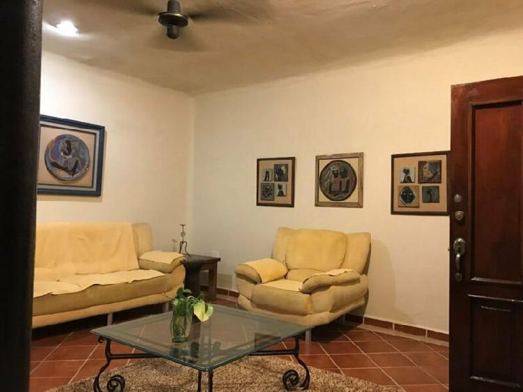 Casa en renta, col. ejidal, 3 recamaras, estilo colonial,
