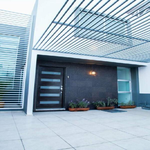 Casa en renta col la loma a 3 cuadras de zavaleta y recta a