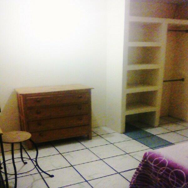 Rento habitacion centrica amueblada para mujeres