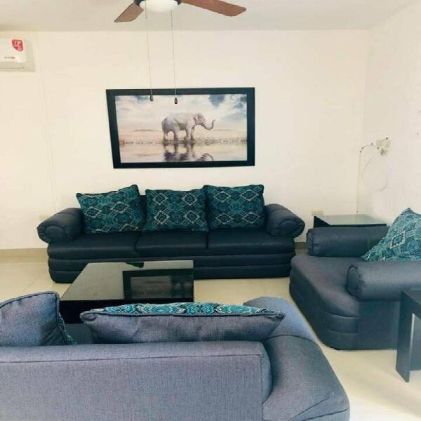 Casa con muebles en el fraccionamiento en el roble