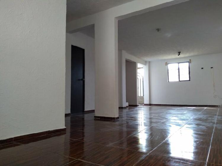 Casa económica recién remodelada a la venta en san lorenzo