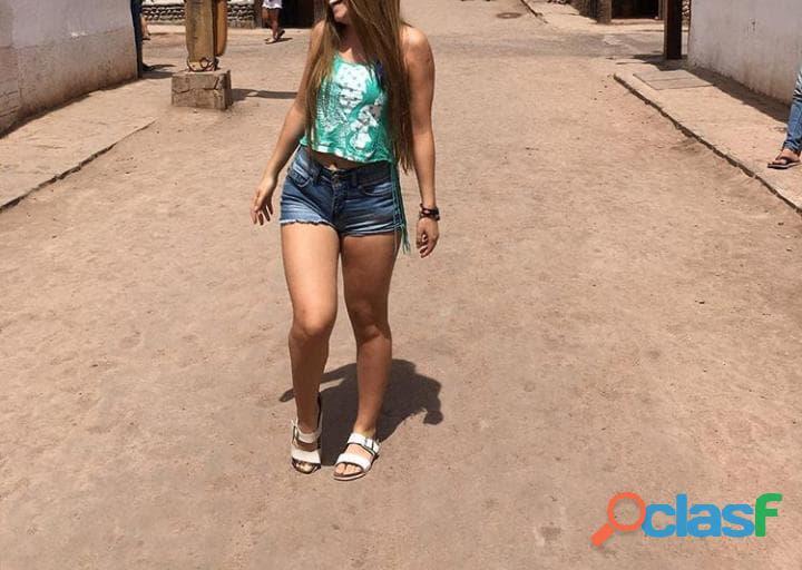 Valentina súper cachonda y divertida olvídate a malos tratos