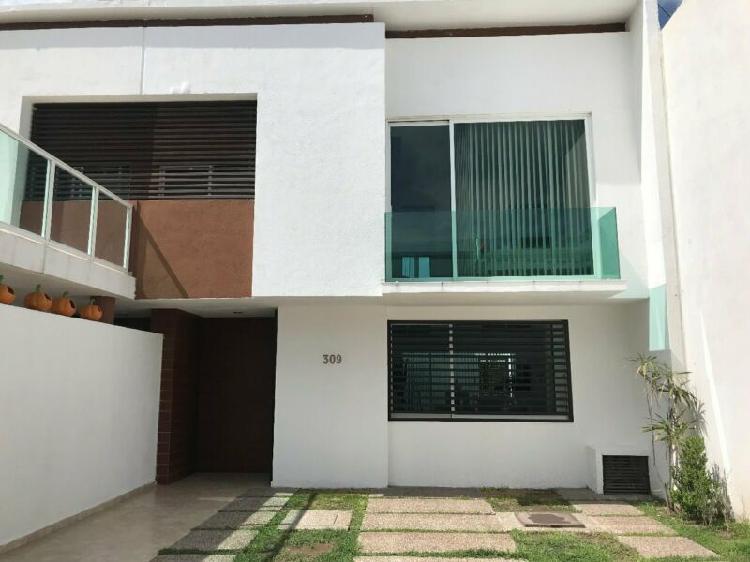 Casa amueblada en renta en platino con servicios