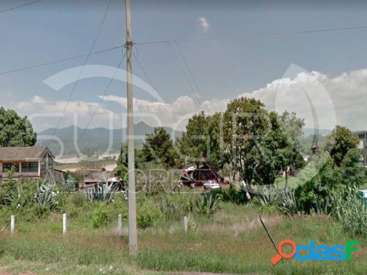 Terreno ejidal en venta sobre la carretera morelia-patzcuro $1,250mxn el m²., santiago undameo