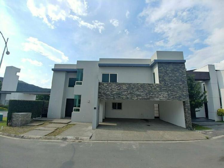 Casa en venta en carretera nacional, el uro - 7277