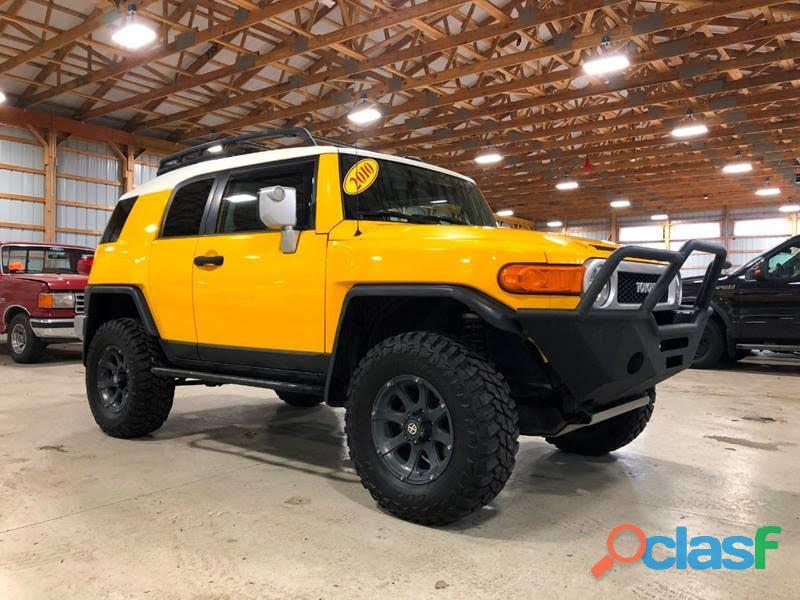 Toyota fj cruiser modelo 2010 amarilla
