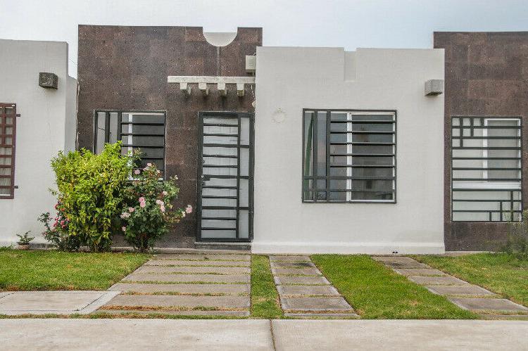 Renta hacienda viñedos/terreno excedente con jardín, 2