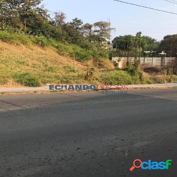 Terreno comercial en venta sobre avenida principal