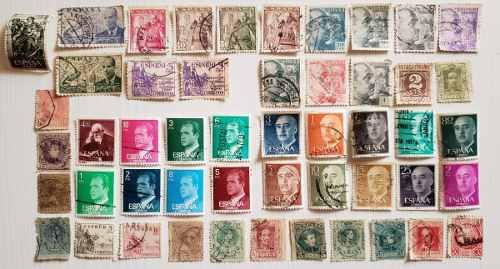España 50 estampillas postales diferentes timbres
