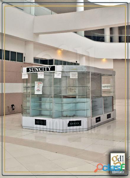 Isla en plaza pabellón $10,000.
