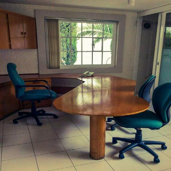 Rento oficina amueblada