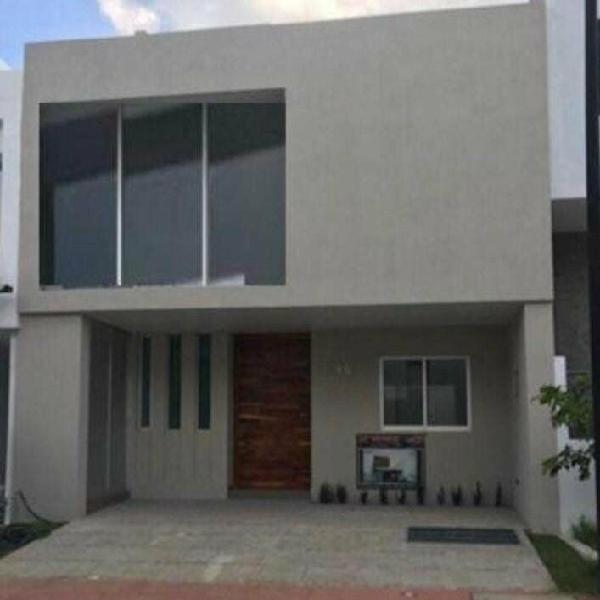 Casa en venta en solares coto zanthe