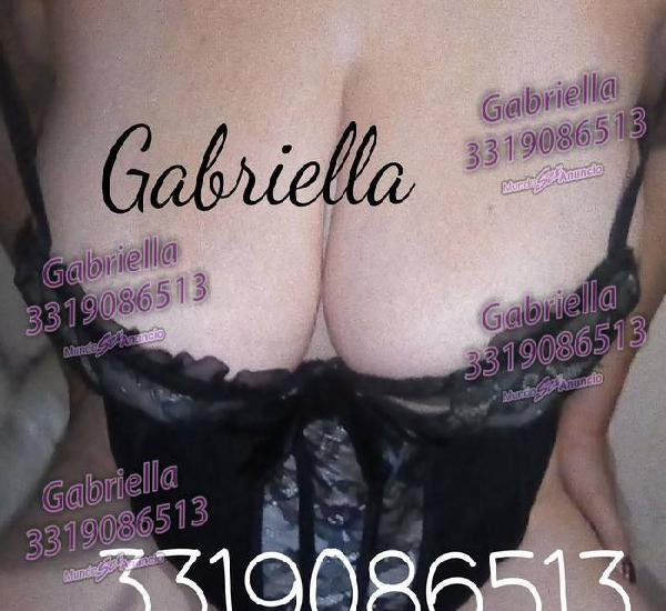 Una milf super elegante masajista real Gabriella tetas 100%