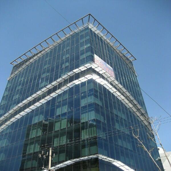 Excelente oficina corporativa en renta de 400 m2 en colonia