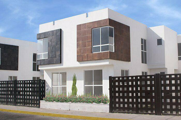 Casa de 3 recamaras en avenida principal con opción a poner