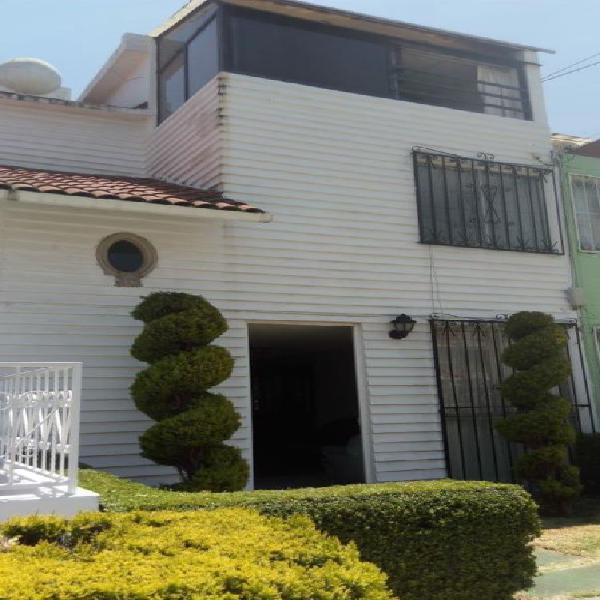 Preciosa casa amueblada en renta en metepec